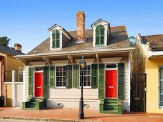 Gorgeous Creole cottages for sale in New Orleans, mapped New Orleans Map, New Orleans Homes, Creole Cottage, Cottage Style, Cottage House Plans, Cottage Homes, Rustic Lake Houses, French Creole, New Orleans French Quarter