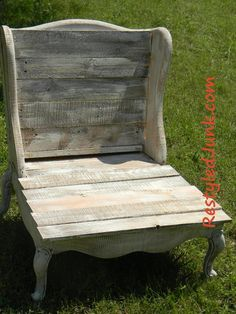 Stoop Chair using old an wing-back chair and pallet boards