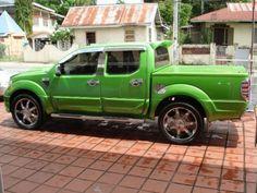 Nissan Navara Safari - http://www.cars.co.za/motoring_news/new ...