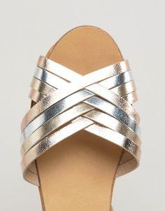 b91327005e0173 Discover Fashion Online Slipper Sandals