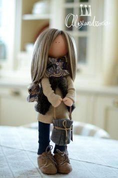 Techniques And Strategies For fabric scraps Pretty Dolls, Beautiful Dolls, Doll Toys, Baby Dolls, Fabric Toys, Fabric Scraps, Dress Up Dolls, Cat Doll, Waldorf Dolls