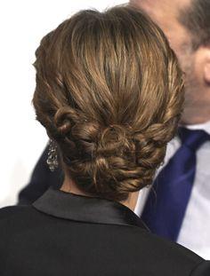 Ojos ahumados y labios perfilados: la reina Letizia, con un 'beauty look' radiante - Foto 3