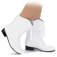 Mariana's white go-go boots look like these.