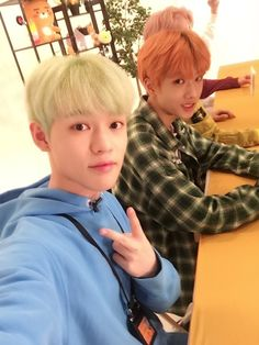NCT Dream Jisung and Chenle Photo from Open KakaoTalk Chat) Winwin, Taeyong, Jaehyun, Nct 127, Nct Dream Chenle, Park Jisung Nct, Nct Chenle, Kids In Love, Park Ji Sung