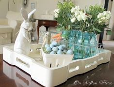 38 Latest Spring Coffee Table Decor Ideas You Must Try Easter Table, Easter Party, Easter Gift, Hoppy Easter, Easter Eggs, Easter Bunny, Easter Celebration, Easter Holidays, Decorating Coffee Tables