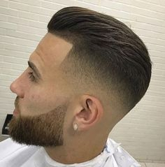 Want to cut your hair, use these best professional hair clippers is part of Mens hairstyles - Cool Hairstyles For Men, Hairstyles Haircuts, Haircuts For Men, Mens Hairstyles Fade, Modern Haircuts, Beard Styles For Men, Hair And Beard Styles, Short Hair Styles, Beard Haircut