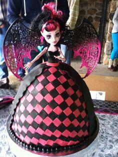 Draculaura cake #Monster High