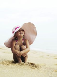 Google Image Result for http://www.buzzle.com/images/photography/beach-photography/kids-pose/kids-beach-pose4.jpg