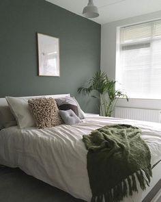 45 Most Popular Green Bedroom Design Ideas - Living & Home - Schlafzimmer Green Bedroom Design, Bedroom Green, Home Bedroom, Bedroom Furniture, Green Bedroom Curtains, Small Bedroom Paint Colors, Bedroom Inspo, Calm Bedroom, Bedroom Suites