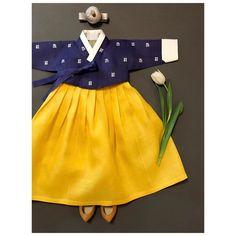 아보한복 for more Korean hanbok. Korean Hanbok, Korean Dress, Korean Outfits, Kids Outfits, Korean Traditional Dress, Traditional Fashion, Traditional Dresses, Little Girl Dresses, Girls Dresses