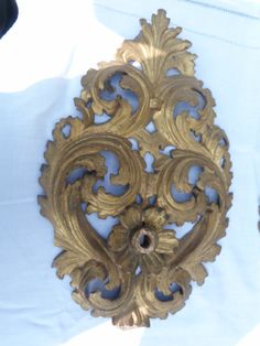 Exeptional pair of XVIIIs century carved giltwood by Albanegalery, $950.00