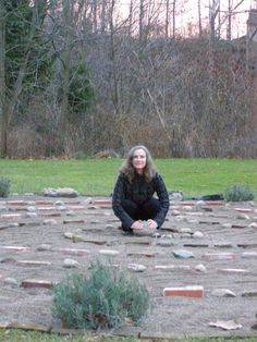 A very simple labyrinth but showing almost any stones could be used, including, in this case, old red bricks