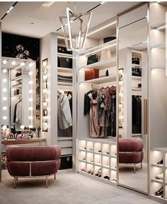 The way you decorate your home is somehow similar to choosing beautiful clothes to wear on a daily basis. An impressive interior decoration of your home or office is essential for your own state of mind, if nothing else. Luxury Bedroom Design, Bedroom Closet Design, Closet Designs, Bedroom Decor, Modern Luxury Bedroom, Wood Bedroom, Glam Closet, Luxury Closet, Modern Closet