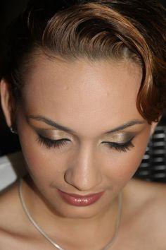 Eye makeup golden browns