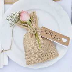 Add a rustic handmade touch to your wedding tableware with these adorable 'With Love' luggage tags. Perfect for name cards or wrapping around wedding favours. Luggage Tags Wedding, Wedding Tags, Homemade Wedding Favors, Wedding Favours, Wedding Stationery, Handmade Wedding, Rustic Wedding, Rustic Place Cards, Babyshower Party
