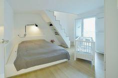 Schlafzimmer Dachschräge einrichten Ideen Doppelbett
