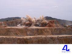 #construcción Tenemos experiencia en el manejo de explosivos. LA MEJOR CONSTRUCTORA DE VERACRUZ. Los explosivos se utilizan en la construcción de presas, sistemas de conducción eléctrica, gasoductos, oleoductos, sistemas de drenaje, vías y túneles, entre otras aplicaciones. En Grupo ALSA, contamos con personal técnico e ingenieros altamente calificados y con experiencia en el manejo de explosivos, además de los permisos correspondientes. www.grupoalsa.com.mx