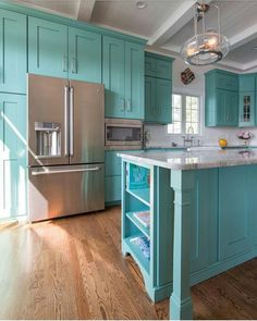 Mikayla Valois – Riverhead Building Supply (House of Turquoise) Turquoise Kitchen Cabinets, Vintage Kitchen Cabinets, Turquoise Kitchen Decor, Kitchen Cabinet Design, Kitchen Redo, Kitchen Colors, Kitchen Interior, New Kitchen, Aqua Kitchen
