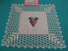 Crochet Neckwarmer Learn How Crochet Bedspread Pattern, Crochet Doily Diagram, Crochet Lace Edging, Crochet Borders, Crochet Doilies, Hand Crochet, Crochet Patterns, Basic Embroidery Stitches, Machine Embroidery Designs