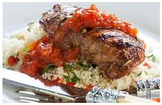 Balsamic Treacle Chicken with Garlic Couscous Evening Meals, Serving Plates, Couscous, Kitchen Recipes, Great Recipes, Garlic, Beef, Stuffed Peppers, Dishes