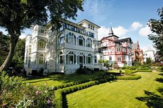 Ostseebad Binz German Architecture, Old Houses, My Dream, Belgium, Places Ive Been, Seaside, Art Nouveau, Natural Beauty, Beach House