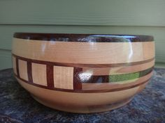 Segmented Bowl made of maple and walnut