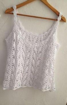 Hand Knitted Bustier Models for Summer – Knitting And We Mode Crochet, Crochet Girls, Diy Crochet, Hand Crochet, Crochet Top, Crochet Cami Tops, Crochet Shirt, Crochet Cardigan, Summer Knitting