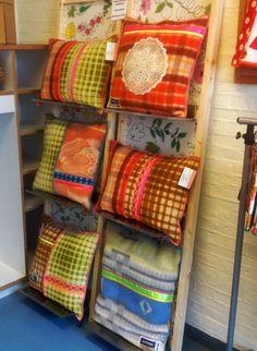 Bloemm handmade - vintage woolen blankets, turned into modern cushions
