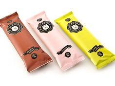 Diletto entrega em casa. Uma embalagem de isopor com seis picolés e gelo seco faz a conserva em temperatura ideal