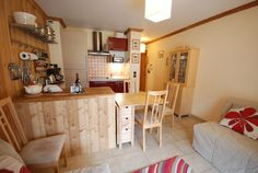 Chalet Chamoissiere apartment to rent in Serre Chevalier. Corner Desk, Lounge, Skiing, Table, Joy, Furniture, Photos, Home Decor, Green Houses