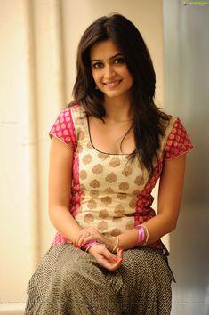 Kriti Kharbanda Actress Biography and Lifestyle Beautiful Women Over 40, Beautiful Girl Photo, Beautiful Girl Indian, Most Beautiful Indian Actress, Beautiful Actresses, Cute Beauty, Beauty Full Girl, Beauty Women, Girls Frock Design