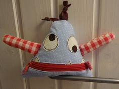 Handmade Cuties ❤ by Giusi : Monster Jabba The Hutt, Diy Doll, Softies, Crochet Hats, Quilts, Dolls, Bears, Handmade, Scrappy Quilts