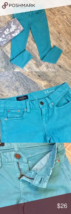 J. Crew Teal Toothpick Ankle Skinny Jean 24 Give your fall earth tones a splash of color - pair with browns and oranges to show some personality! EUC. Approx measurements when laid flat = 26 in inseam, 14 in straight across at waist, 7 in rise, 5 in leg opening. J. Crew Jeans Ankle & Cropped
