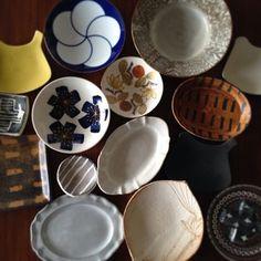 好きな豆皿を収納する家具について考える時間もまた、うつわがもたらしてくれる至福の時間。