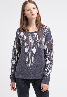 Stylischer #Pullover in #Grau von #DEBY #DEBO. #Ethno ist in und in diesem Pullover bist Du ein absoluter #Blickfang! ♥ ab 79,95 €