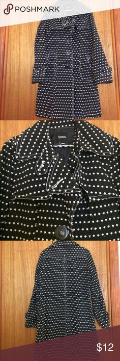 XOXO POLKA DOT COAT Cute and lightweight black and white polka dot coat. In fair condition missing belt. Dots are fraying. This was my daughters favorite coat. She just out grew it. She said the dots fraying was supposed to be that. I don't know but wanted customer to be aware. Goes great with anything good for three seasons. See photos for more details. Smoke and pet free house. Willing to bundle items. Size large 12 XOXO Jackets & Coats Trench Coats