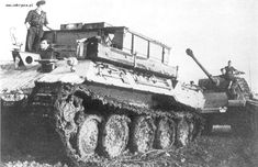 A Bergepanther in action troubleshooting this Panther Ausf. G.