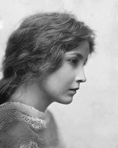 Edward Weston 1921 A stunning portrait. I love her intensity, magnified by her looking to the side.