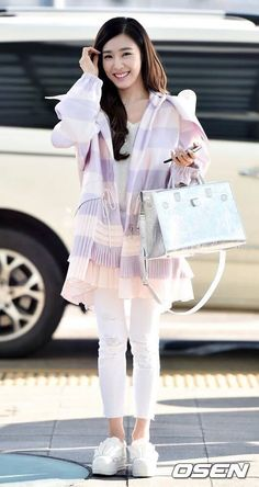 GIRLS GENERATION, the best source for photography, media, news and all things related to the girl group Girls' Generation. Tiffany Girls, Snsd Tiffany, Tiffany Hwang, Girls' Generation Tiffany, Girls' Generation Tts, Snsd Fashion, Love Fashion, Fashion Outfits, Korean Airport Fashion