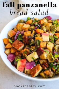 Colorful fall panzanella salad is full of autumn vegetables like roasted butternut squash and Brussels sprouts. Fresh apples, pecans, and pumpkin seeds give it an extra bit of crunch. #fallpanzanella #panzanellasalad #autumnpanzanella #fallsalads #fallsidedishes Vegetarian Breakfast Recipes Easy, Vegetarian Lunch, Healthy Recipes, Fall Recipes, Holiday Recipes, Healthy Meal Prep, Easy Healthy Dinners, Weeknight Dinners, Pantry Recipe