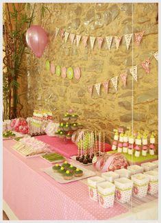 cosas con encanto: FIESTA DE PRIMERA COMUNION CON CANDY BAR (MESA DE DULCES) Y MESAS DECORADAS. Pink Candy Buffet, Lolly Buffet, Dulce Candy, Ice Cream Party, Ideas Para Fiestas, Candy Party, Holidays And Events, Dessert Table, Communion