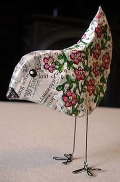 Little bird made with papier mache. Looks like a nice Wednesday afternoon project for the kids! Paper Clay, Paper Mache Clay, Paper Mache Sculpture, Diy Paper, Paper Art, Sculpture Ideas, Bird Sculpture, Paper Mache Projects, Paper Mache Crafts