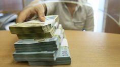 Guvernul a amanat legea care limiteaza tranzactiile in numerar si reduce comisioanele bancare astfel incat documentul sa fie discutat in continuare cu reprezentantii mediului de afaceri, care au formu