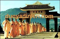 Konfüçyüs DiniKonfüçyanizm 'de insanın evlenmeden veya bir erkek evlat bırakmadan ölmesi büyük günah sayılır. Çünkü erkek evladın, ata ruhlarına ibadeti devam ettireceğine inanılır. Ata ruhları her aile için özel koruyuculuk görevini yerine getirir.