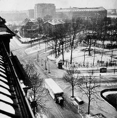 Photo by Gyula Pap (1899-1983), ca 1930, Budapest Berliner Strasse.