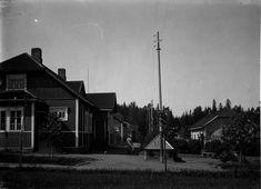 Ferrarian alueelle ruukin viereen rakennettiin 1900-luvun alussa Seppäinmäen asuinalue työläisiä varten. Kuvalähde: Valokuvaamo Hellas