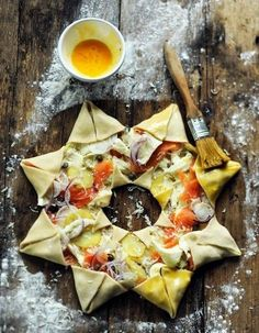 Pizza étoile : découvrez comment faire une pizza en forme d'étoile - Elle à Table