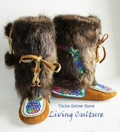 We sell handmade authentic native art and crafts made by the Tłı̨chǫ, including First Nations and artists from the Northwest Territories. Native American Moccasins, Native American Indians, Beaded Moccasins, Beaded Shoes, Santa Boots, Native Design, Nativity Crafts, Native Beadwork, Native Art