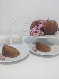 #leivojakoristele #ystävänpäivähaaste Kiitos Elisa R. Pudding, Desserts, Food, Tailgate Desserts, Deserts, Custard Pudding, Essen, Puddings, Postres