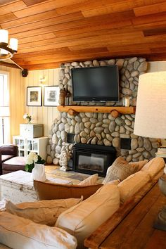 Love this , from the ceiling to the stone wall, tv, the whole 9 yards! LOVE IT!